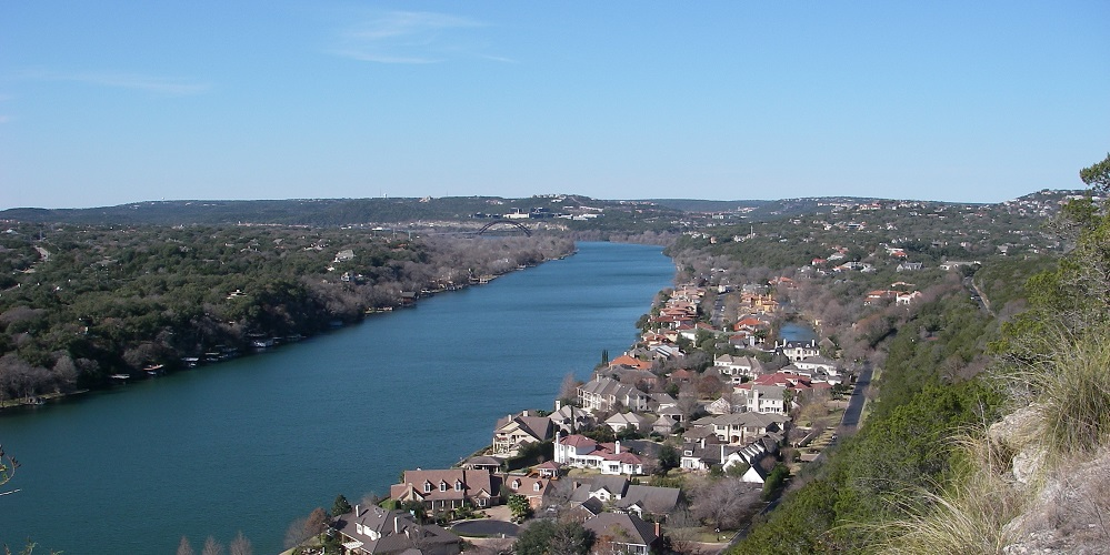 A view from the top of Mount Bonnell overlooking Lake Austin.