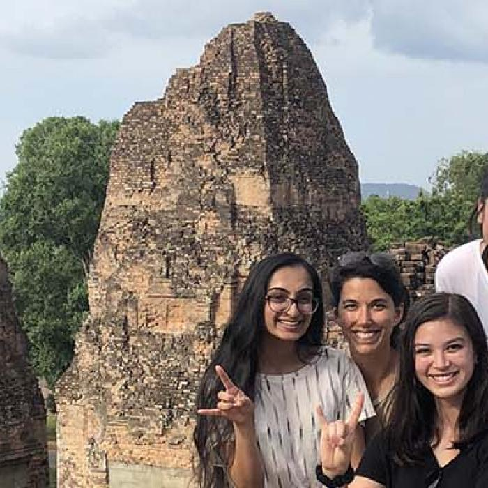 4 female and 1 male UT students in Cambodia