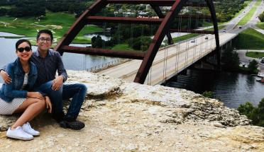 eduardo and paulina pose on pennybacker bridge